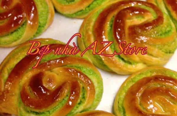 Bánh mỳ nhân dừa lá dứa thơm ngon