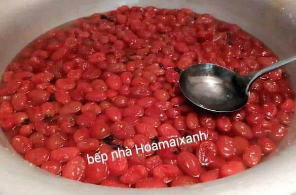 Mứt cà chua thành phẩm có màu đỏ tươi đẹp