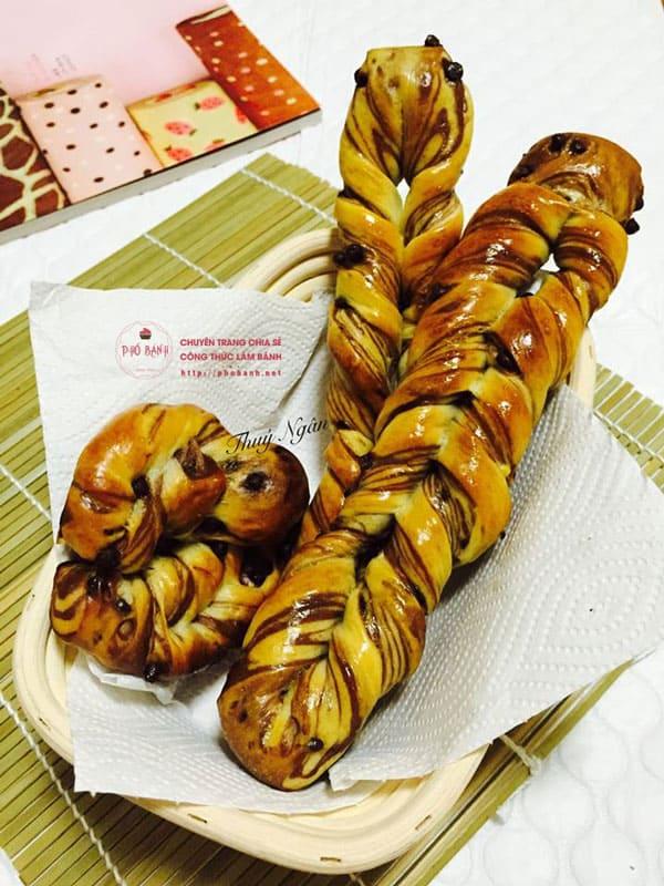 Hướng dẫn cách làm Chocolate Stick Bread ngon tuyệt đỉnh