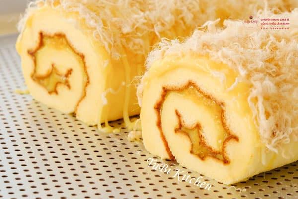 Cách làm bánh bông lan cuộn mặn thơm ngon