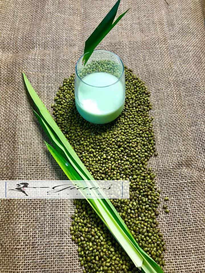 Cách làm sữa đậu xanh lá dứa thơm ngon
