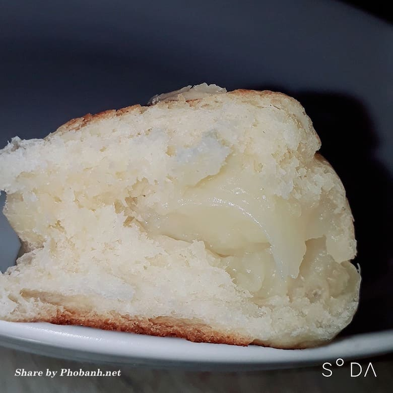 Bánh mì nhân sữa phô mai nướng thơm ngon
